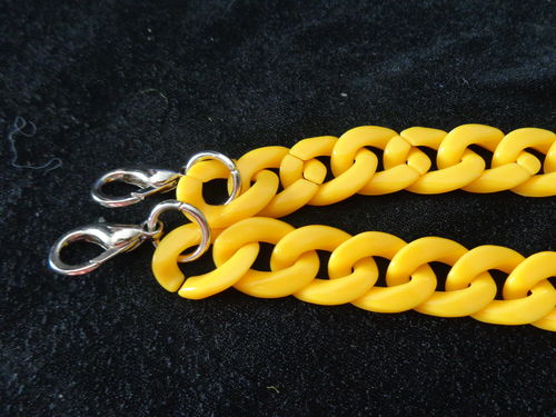 "chain for purse 23"" diff. col. with hooks"