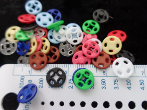plastic snaps diff. col. 10mm